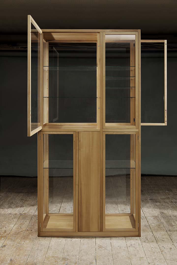 Möbel Design Glasschrank Farenholtz Hamburg (3)